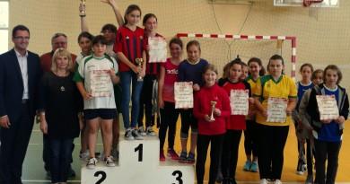 III miejsce w Mistrzostwach Gminy Wieliczka w badmintonie dziewcząt